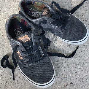 VANS charcoal grey tie shoes cork details